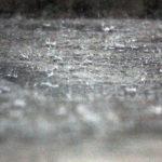 火災保険で大雨や集中豪雨による損害を補償する条件とは?