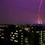 落雷による損害を火災保険で補償する条件とは?